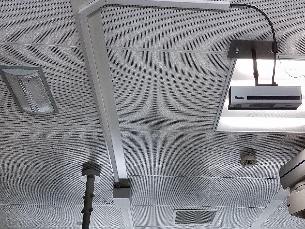 Magnetic tape for ceiling
