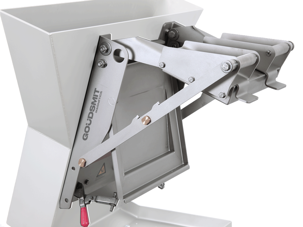 Chute magnet - plate magnet including mounting system | Goudsmit Magnetics